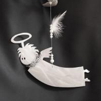 B`Engel fliegend