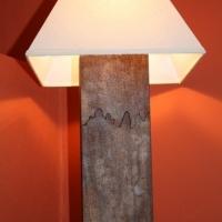 Lampe mit Rostfuss klein mit weissem Schirm